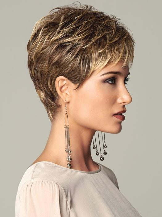 Short, slightly textured boy cut | Color: Brown Blonde