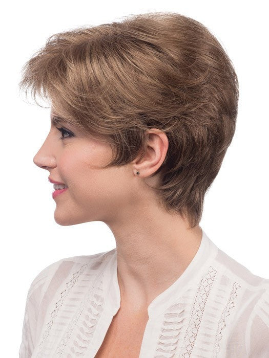 Smooth, sleek layers and a monofilament top give styling options | Color: R12/26H
