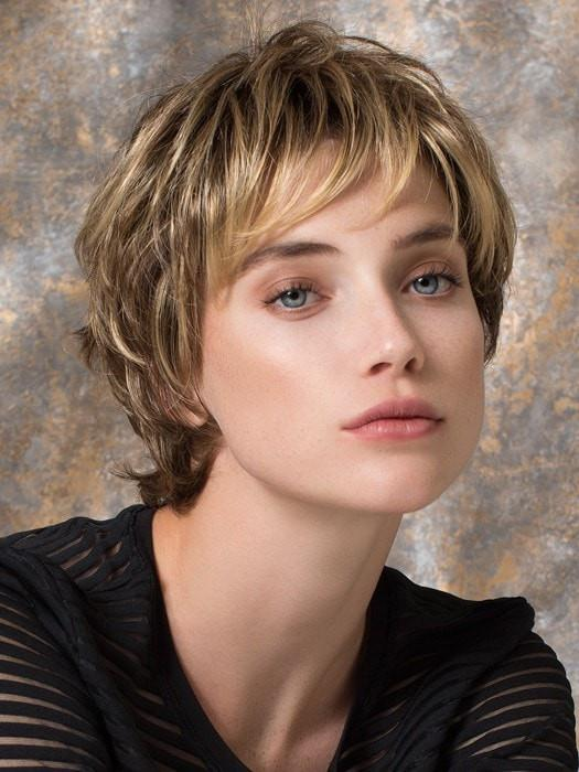 CLUB 10 by Ellen Wille in BERNSTEIN ROOTED | Light Brown Base with Subtle Light Honey Blonde and Light Butterscotch Blonde Highlights and Dark Roots