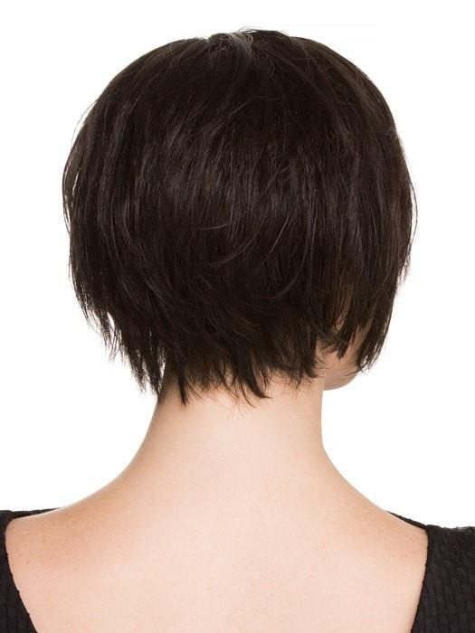 Tapered neckline at the nape