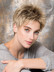 GOLF by Ellen Wille | This short pixie wig can be worn right out of the box | Color Sandy Blonde Rooted