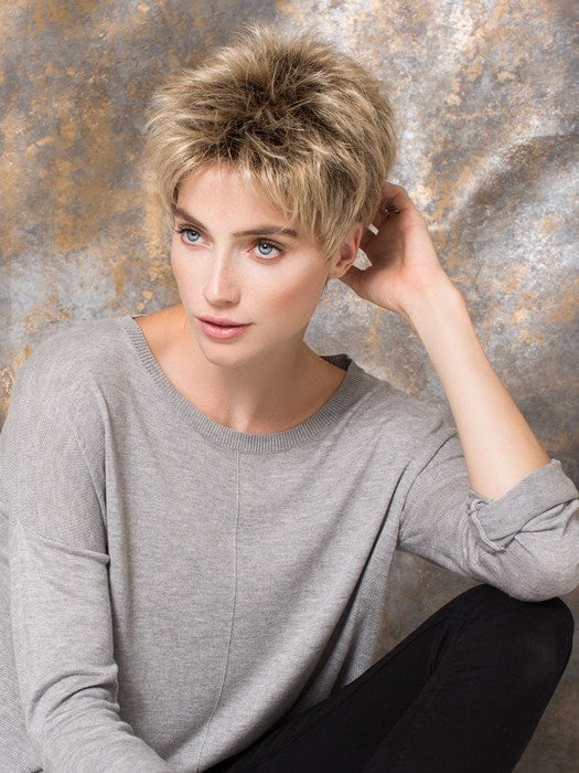 Sassy and edgy, you can't go wrong with this short style | Color: Sandy Blonde Rooted