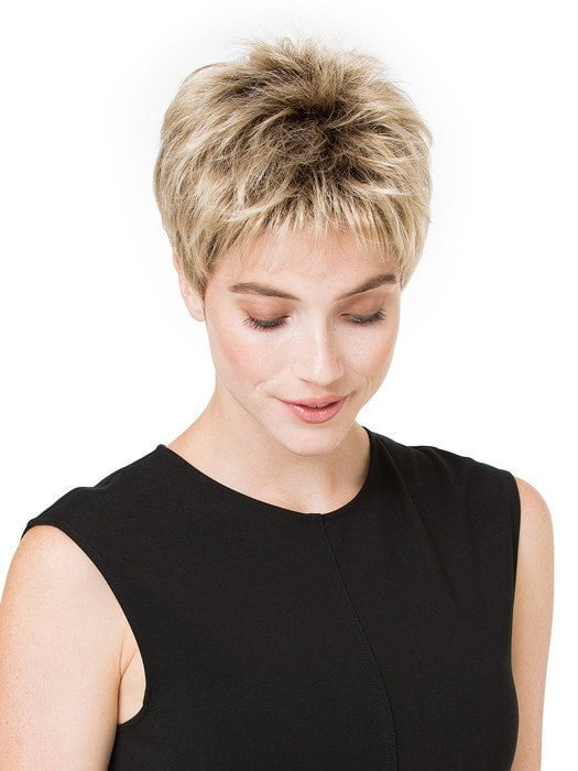 The traditional cap provides built-in volume for all-day lift and durability | Color: Sandy Blonde Rooted