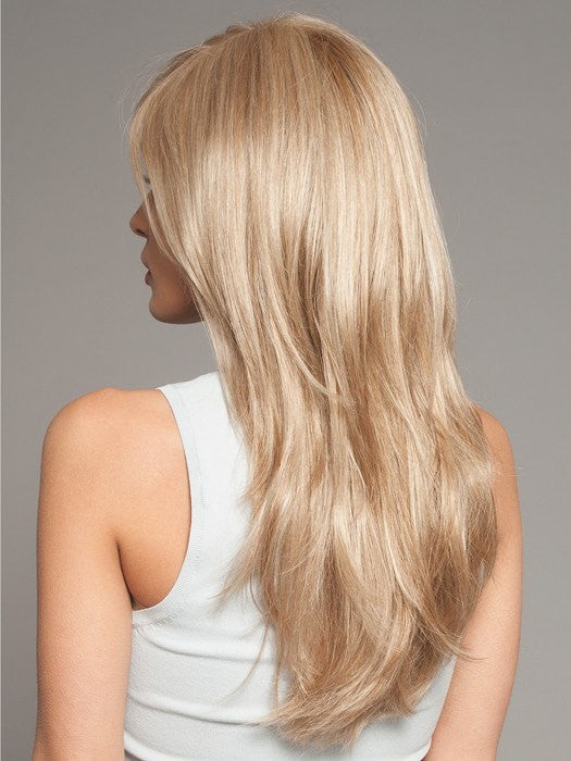 Rounded perimeter creates shape and style | Color: Champagne Mix