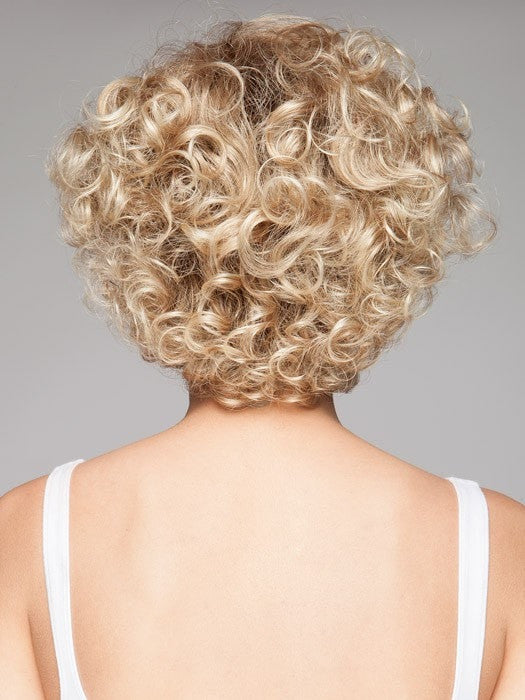 Short, curly and voluminous!