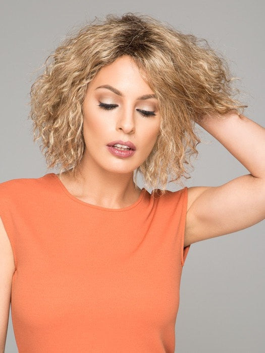 This short mid length bob is perfectly designed with soft kinky texture