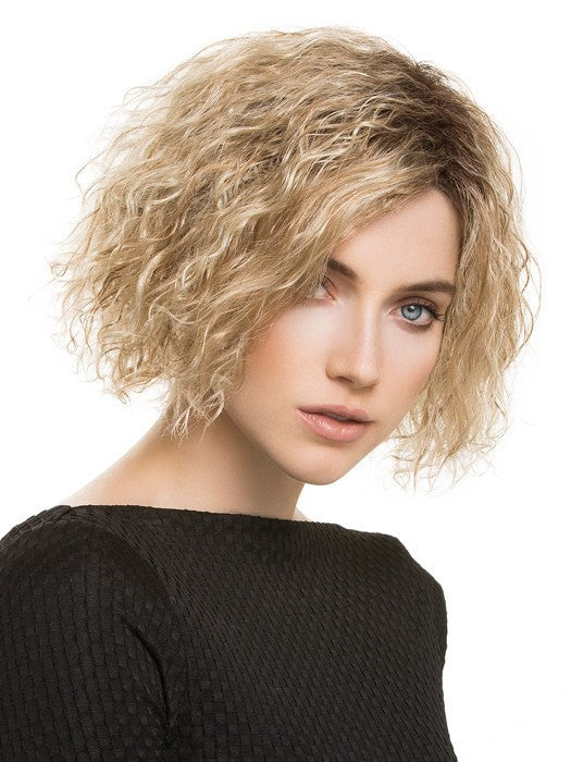 WIKI by Ellen Wille in CARAMEL ROOTED | Medium Gold Blonde and Light Gold Blonde Blend with Light Brown Roots