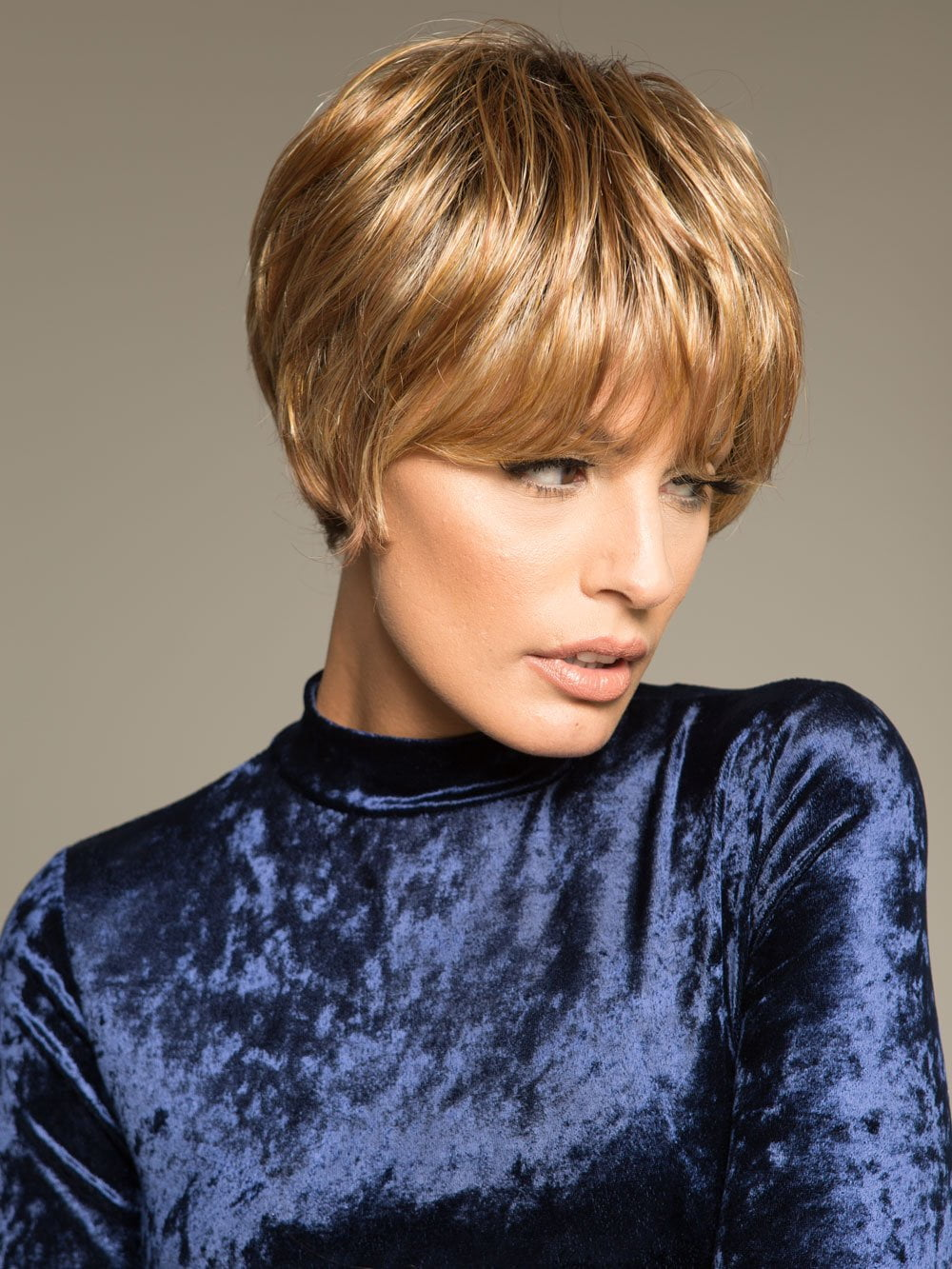 Short Envy Wig | Angel in VANILLA BUTTER | Golden Blonde blended with Champagne Blonde