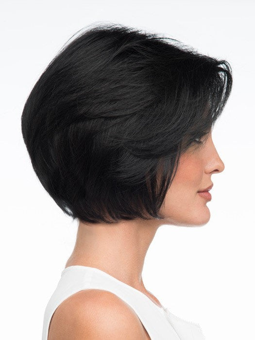 Soft angle with smooth layers | Color: Black