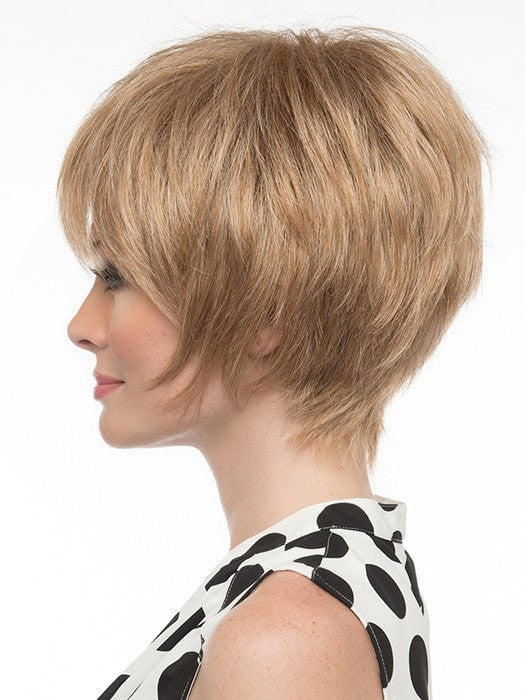 Soft, razored edges at the sides. | Color: Dark Blonde