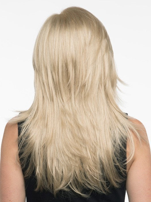 Choppy textured layers add to the trendy look and feel | Color: Light Blonde
