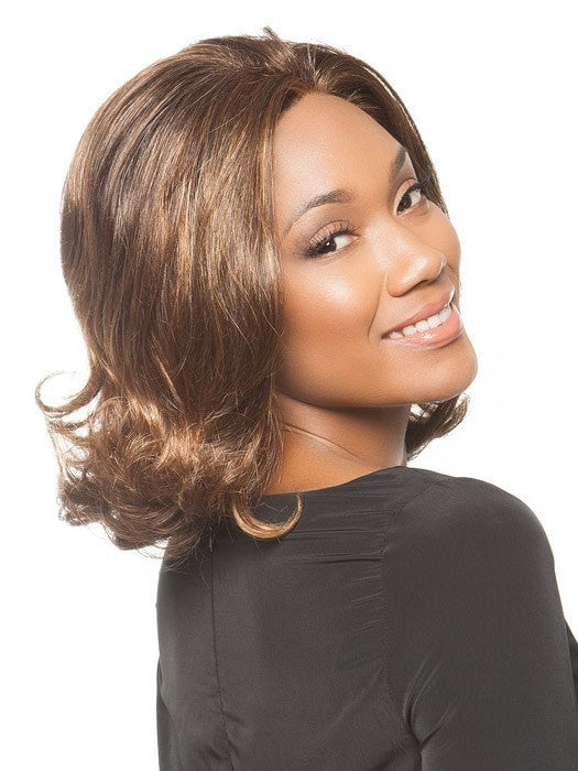 The sheer lace front blends with all skin tones | Color: Chocolate Caramel