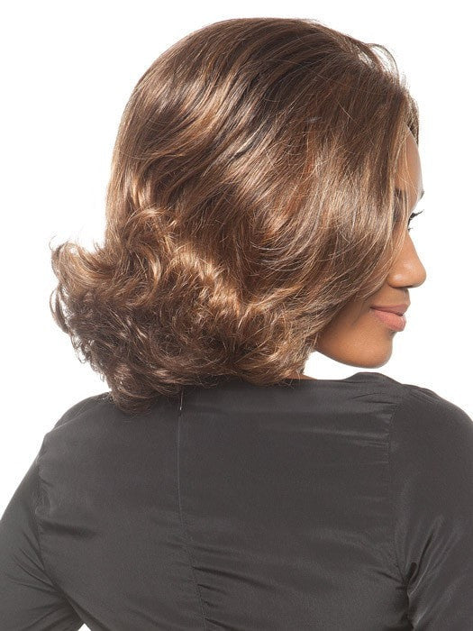 The ends are curled and styled out of the box | Color: Chocolate Caramel