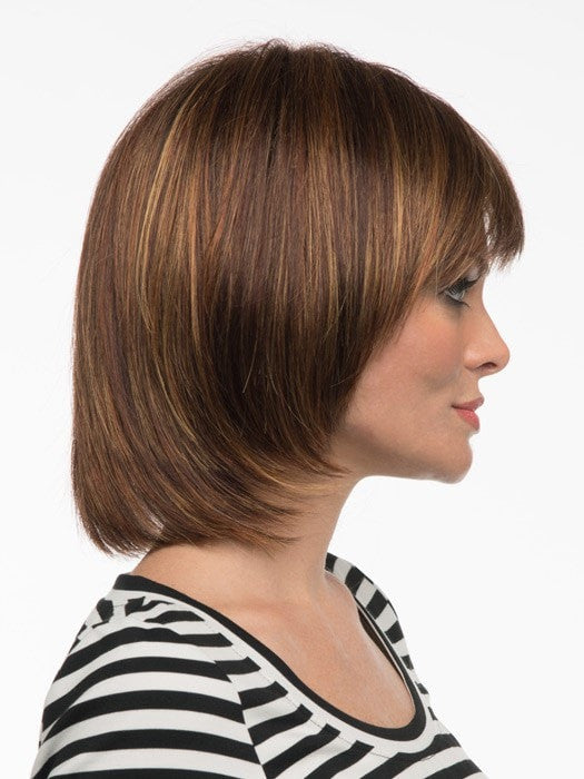 Face framing fringe makes it flattering | Color: Cinnamon Raisin