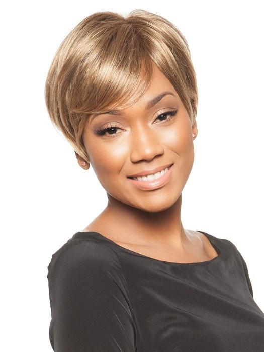 Longer side-swept bang | Color: Frosted