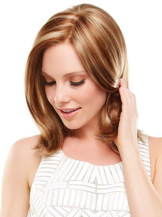 The monofilament top is hand-tied and gives a scalp-like appearance