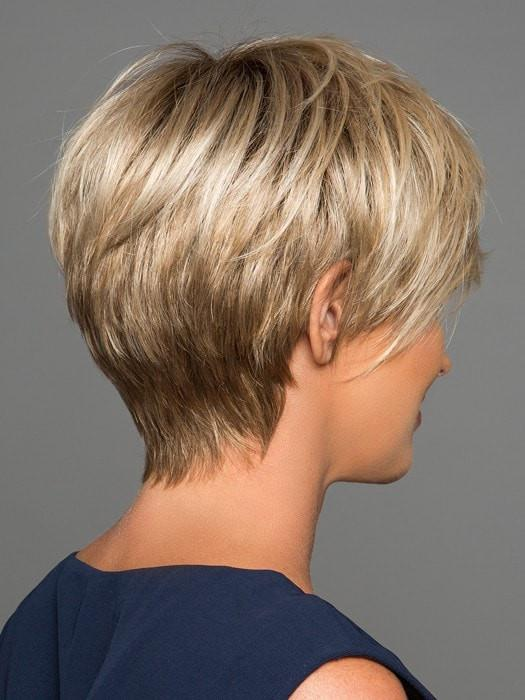 Tapered neckline with longer layers on top | Color: 12FS8