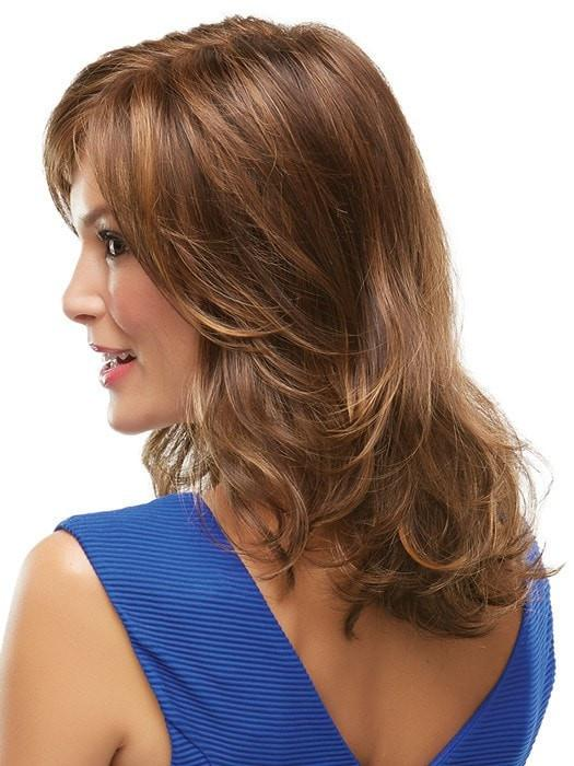 Smooth volume on top with loose curls toward the ends | Color: 6F27