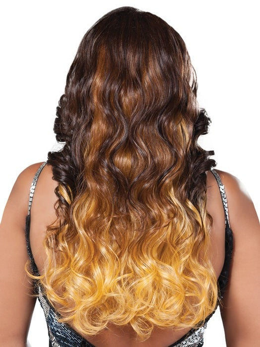 Long layers and waves | Color: GM236
