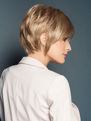 Textured layers add shape and style to the back | Color: R14/25