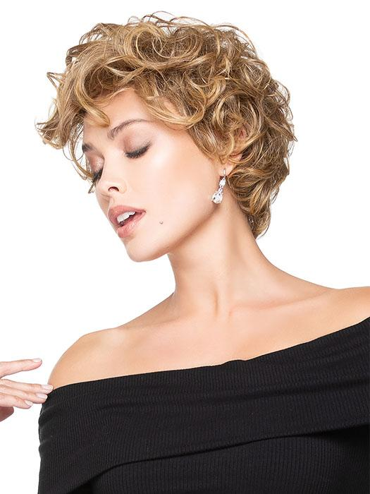 Ready-to-wear as defined curls or brush into flowing waves that taper at the nape