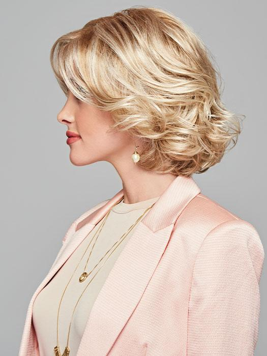 Brush through to create a soft and smooth layered bob, or spritz with water and scrunch for piecey texture