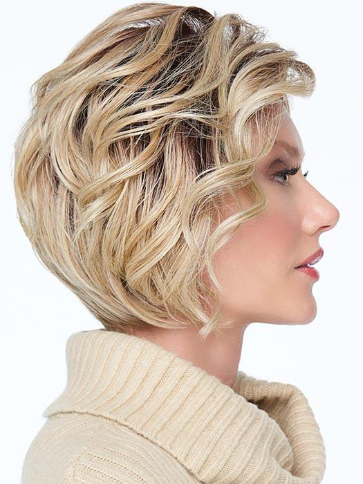 Combined with the elegantly sculpted nape to create a fresh, sophisticated silhouette
