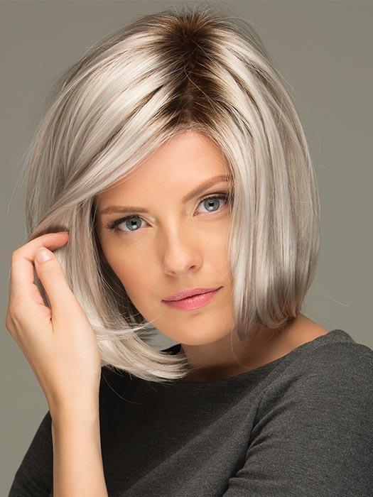 JAMISON by ESTETICA in SILVERSUN/RT8 | Iced Blonde Dusted with Soft Sand and Golden Brown Roots