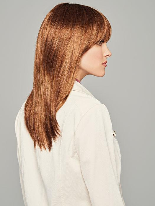 A sleek and straight style with a trending full fringe