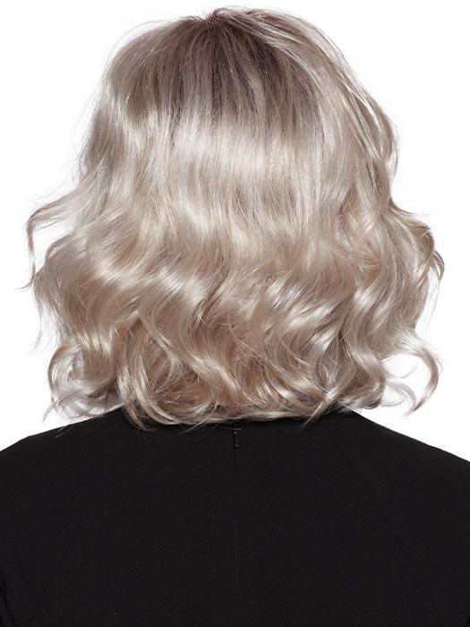 23-60-R8 | Rooted Chestnut Brown with Platinum White base with Champagne Blonde highlights