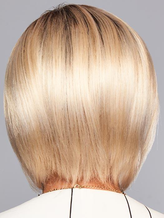 ON EDGE by GABOR in GL613-88SS CHAMPAGNE BLONDE | Dark golden blonde base blends into light golden blonde with glints of platinum blonde.