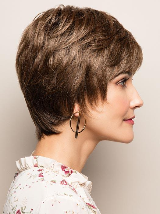 A short pixie style that's perfect to just put on and go