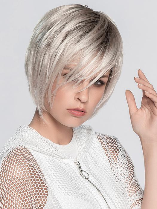 JAVA by ELLEN WILLE in PLATIN BLONDE ROOTED 23.101.60 | Pearl Platinum, Light Golden Blonde, and Pure White Blend