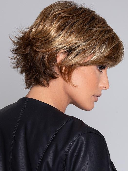 RAISE by ELLEN WILLE in TOBACCO ROOTED | Medium Brown base with Light Golden Blonde highlights and Light Auburn lowlights