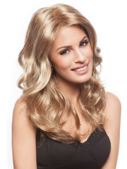 Flowing curls and volume | Color: 263TR