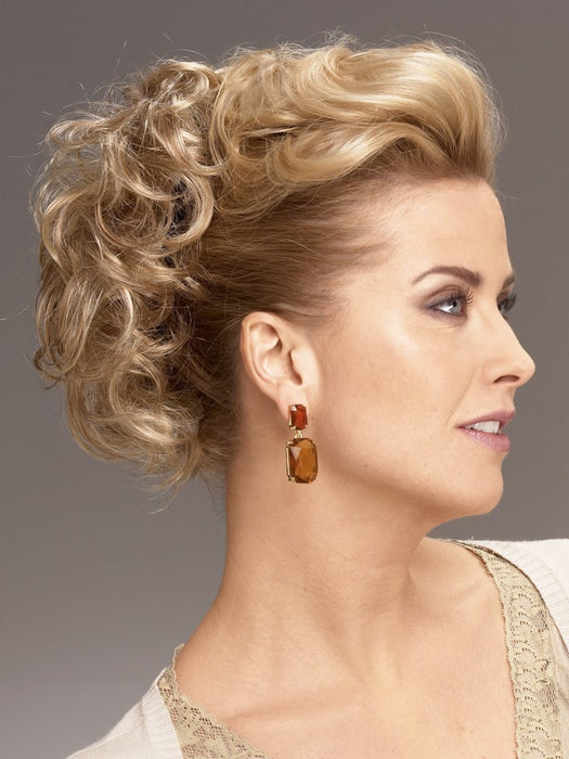 UPDO CURLS by RAQUEL WELCH in R25 GINGER BLONDE | Medium Golden Blonde with Subtle Blonde Highlights