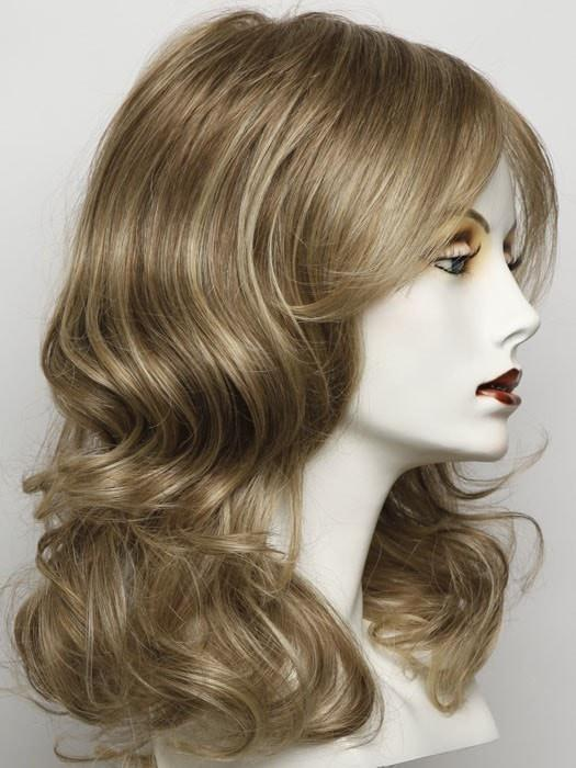 Color RL13/88 = Golden Pecan: Neutral Medium Blonde With Pale Honey Blonde Highlights