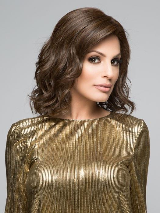 Raquel Welch EDITOR'S PICK Wig in RL4/6 BLACK COFFEE | Dark Brown Evenly Blended with Medium Brown