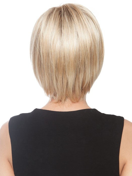 Subtly layered collar-length back