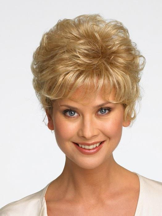 SONATA by Raquel Welch in R25 GINGER BLONDE | Medium Golden Blonde with Subtle Blonde Highlights