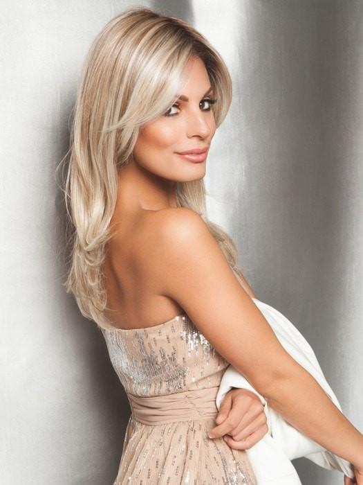SPOTLIGHT by Raquel Welch in RL19/23SS SHADED BISCUIT | Light Ash Blonde Evenly Blended with Cool Platimun Blonde and Dark Roots