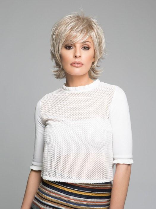 TREND SETTER by Raquel Welch in R23S+ GLAZED VANILLA | Cool Platinum Blonde with Almost White Highlights