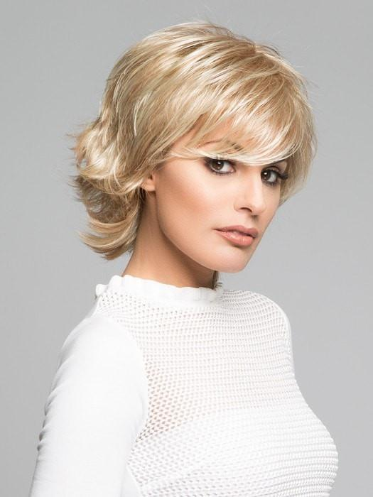 TREND SETTER by Raquel Welch in  SS14/88H SHADED GOLDEN WHEAT | Dark Blonde Evenly Blended with Pale Blonde Highlights and Dark Roots