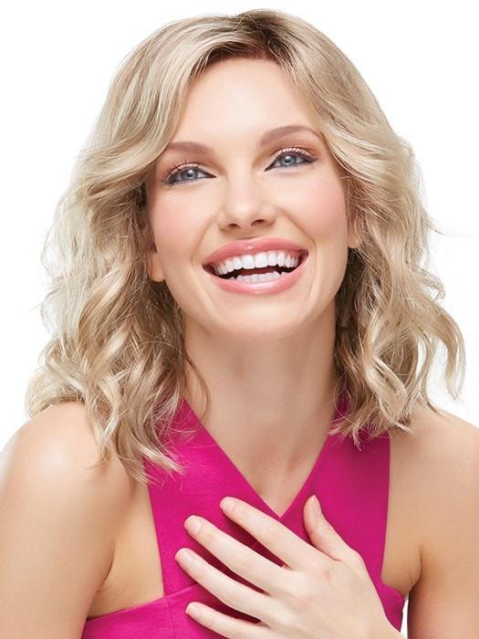 Long layers around the face are curled away for a flattering look | Color: 12FS8