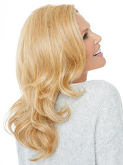 Soft waves are ready-to-wear out of the box | Color: HT25