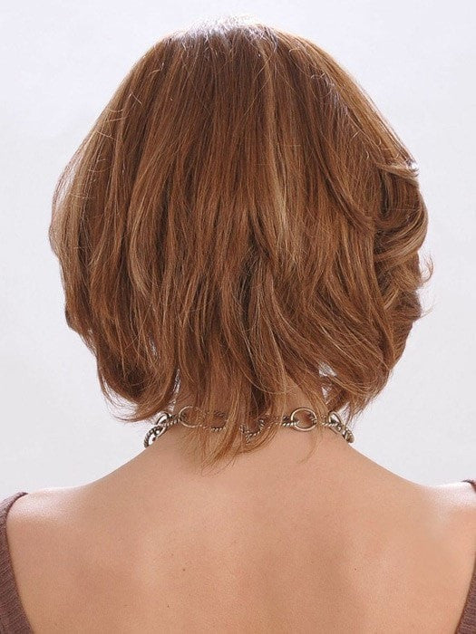 Layers add movement, style them curly or straight | Color: Honey Amber