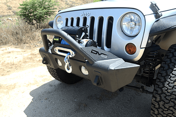 DV8 Offroad Jeep Wrangler JL 2018-2019 Hammer Forged Front Bumper Stubby with Fog Light Holes Winch Ready FBSHTB-13
