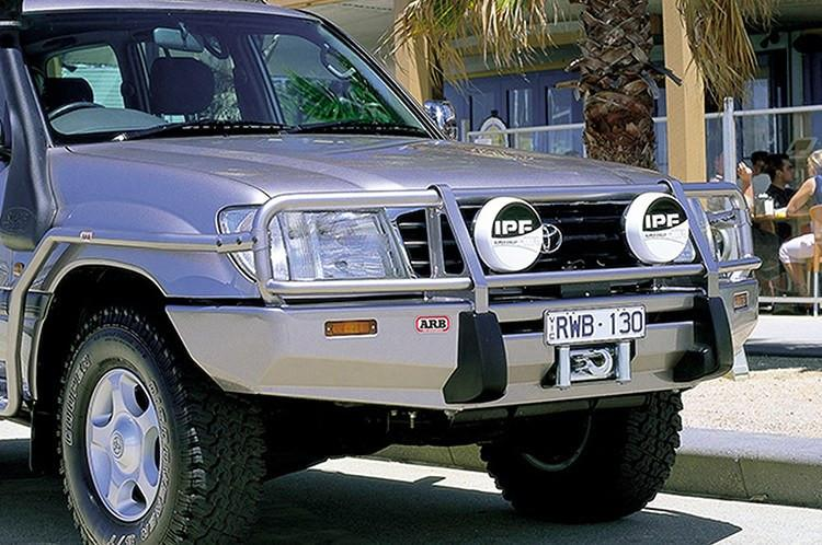 ARB 3413050 Toyota Land Cruiser 1998 2002 Deluxe Front Bumper 100 Series  Winch Ready With