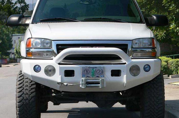 TrailReady 10300P Chevy Silverado 2500/3500 2001-2002 Extreme Duty Front Bumper Winch Ready with Pre-Runner Guard - BumperOnly