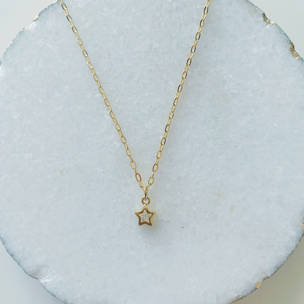 Glam Tiny Star Necklace
